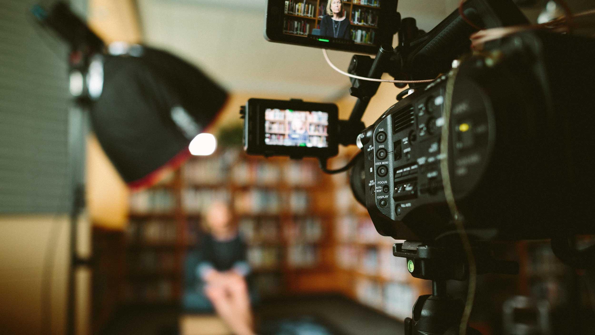 Närbild på kamera, tv-inspelning.