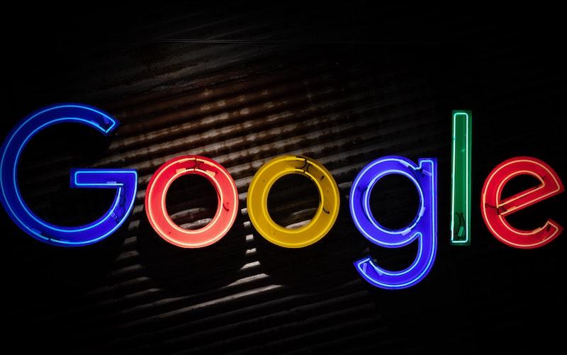 Google Logo in neon sign