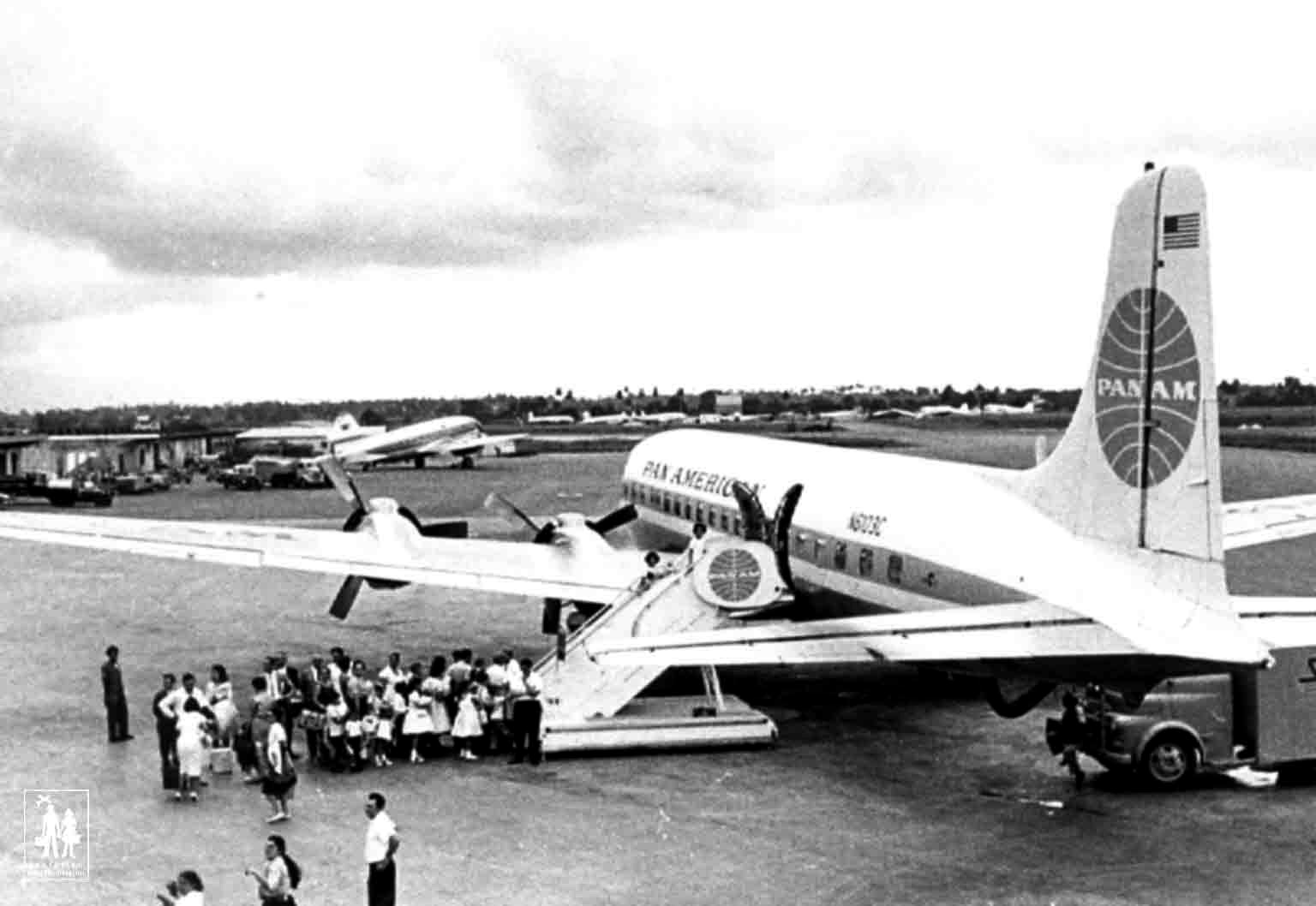 Children's boarding the plane in Cuba