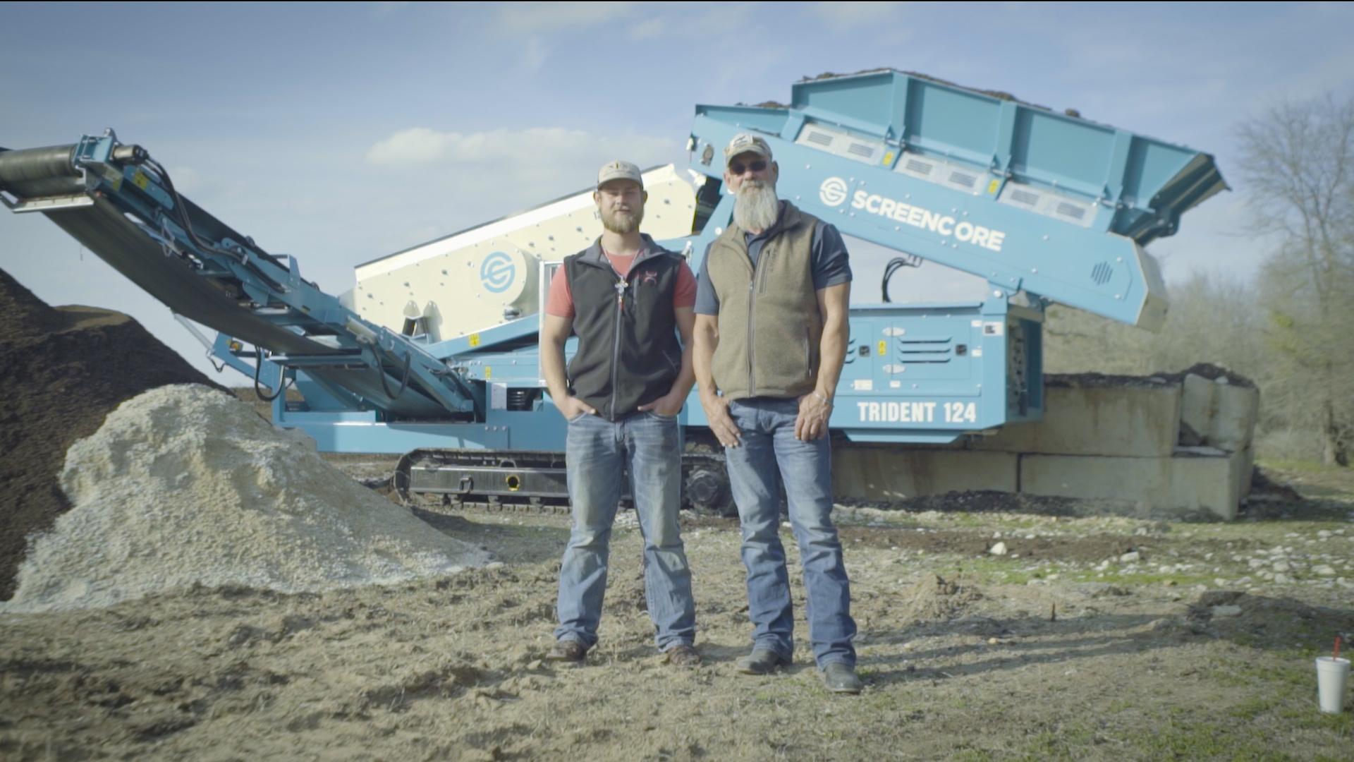 Machinery Partner Customer with topsoil screener
