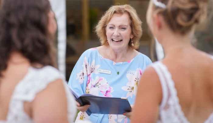 Amanda-Louise wedding celebrant based in somerset