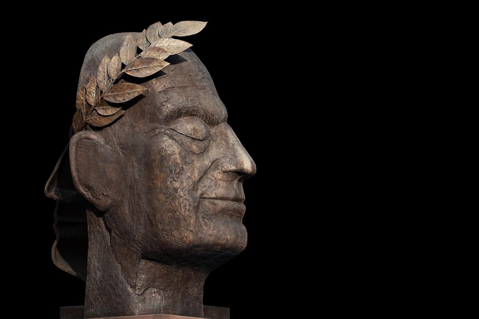 Julius caesar face statue with black background