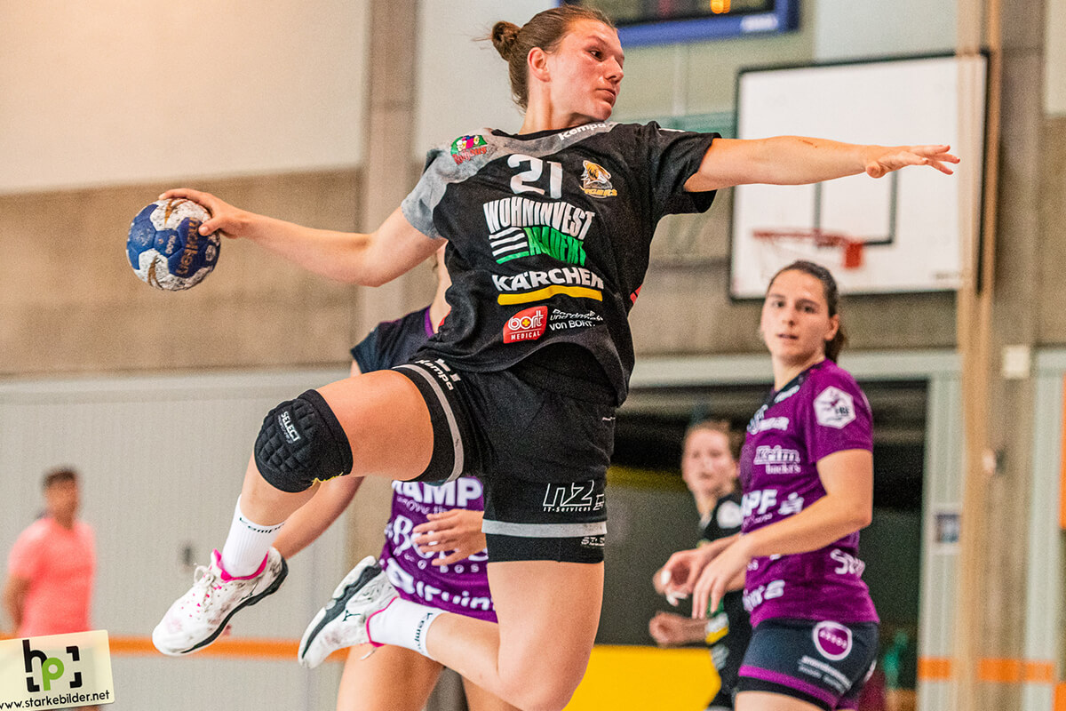 Louisa de Bellis - Handball - Bild Heiko Pothoff
