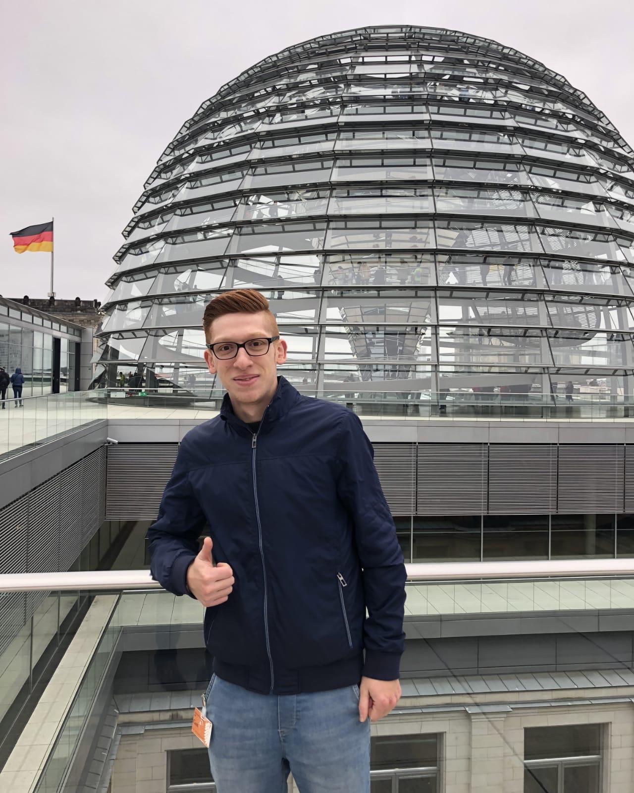Ammar Kamel - in Berlin am Bundestag