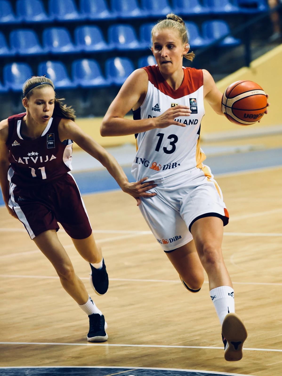 Leonie Fiebich - Basketball Nationalmannschaft
