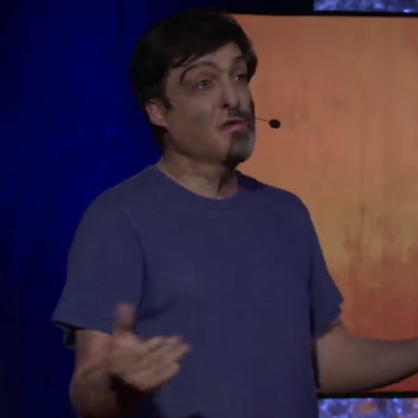 dan ariely giving his ted talk lecture