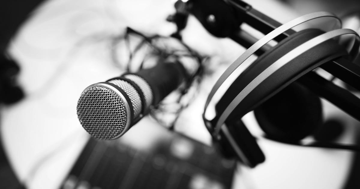 The Best Mid-Range Podcast Equipment Setup for 2021