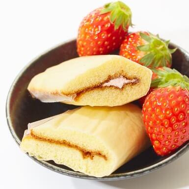 Strawberry Castella