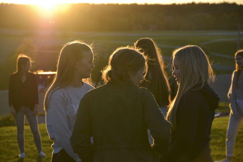 Ungdom i solnedgangen