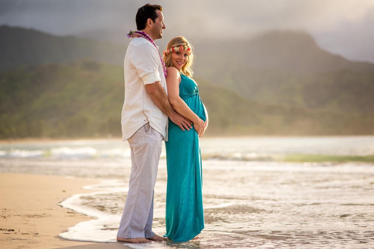 Maternity Photos on Kauai