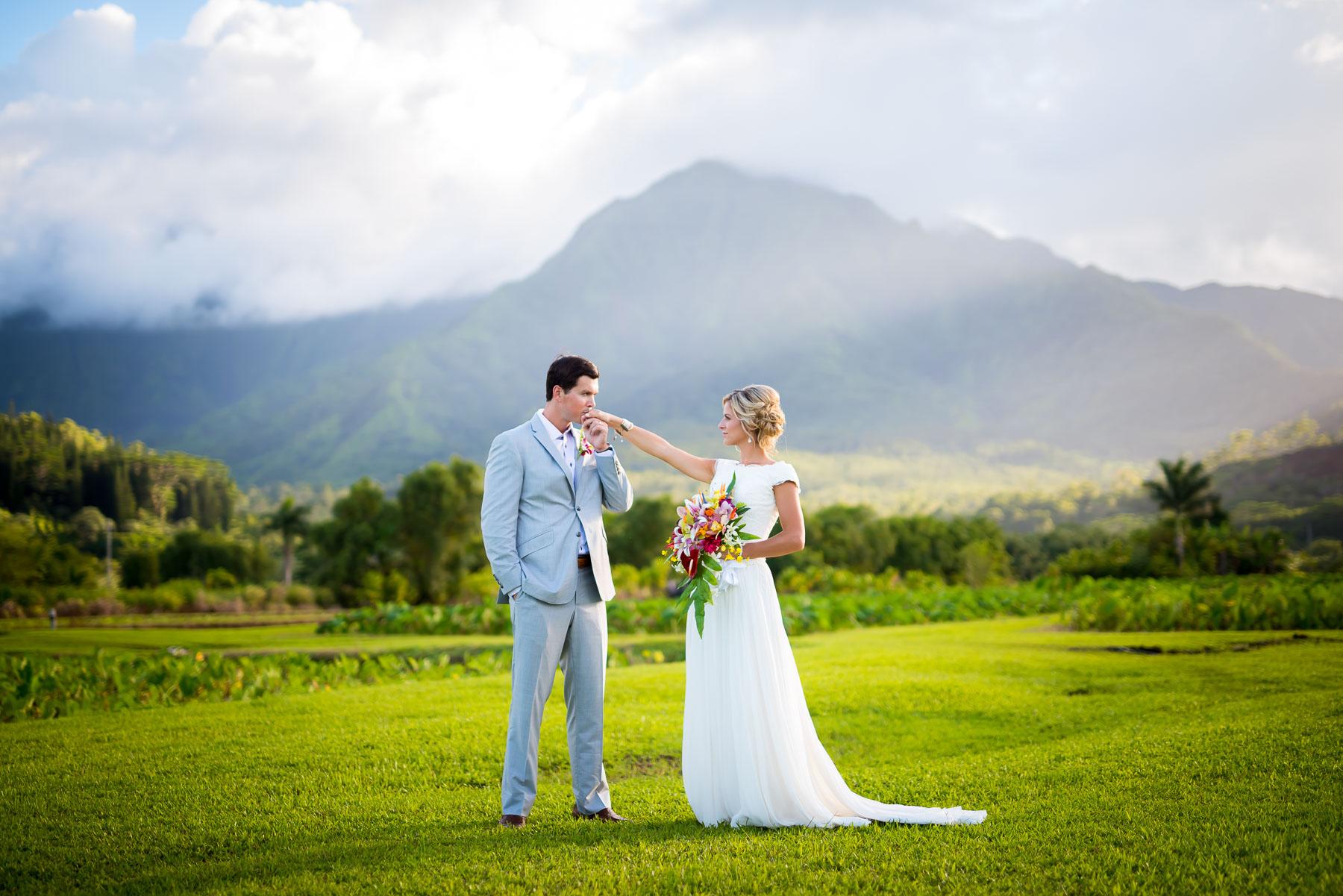 Beautiful sunset wedding photography on the North Shore of Kauai.
