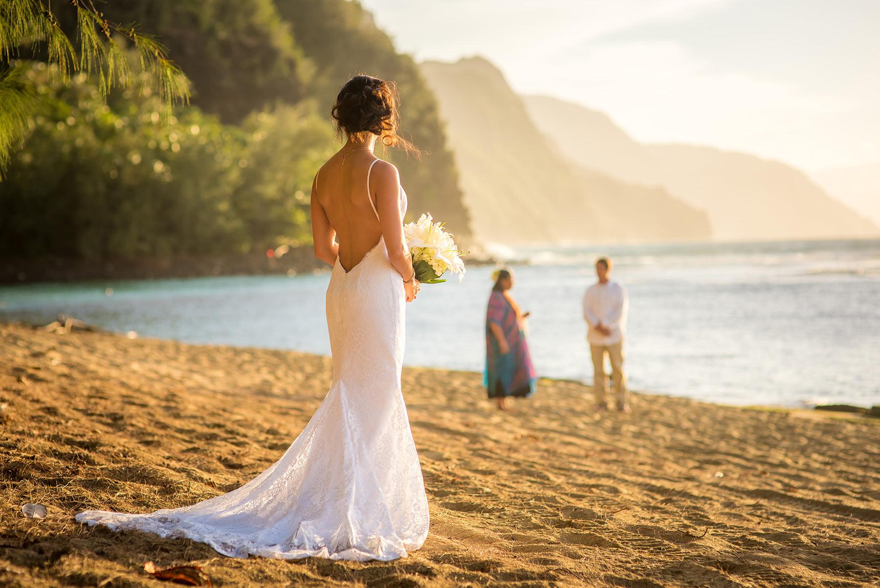 Wedding on Kee Beach, Kauai by photographer by Harneet Bajwa.