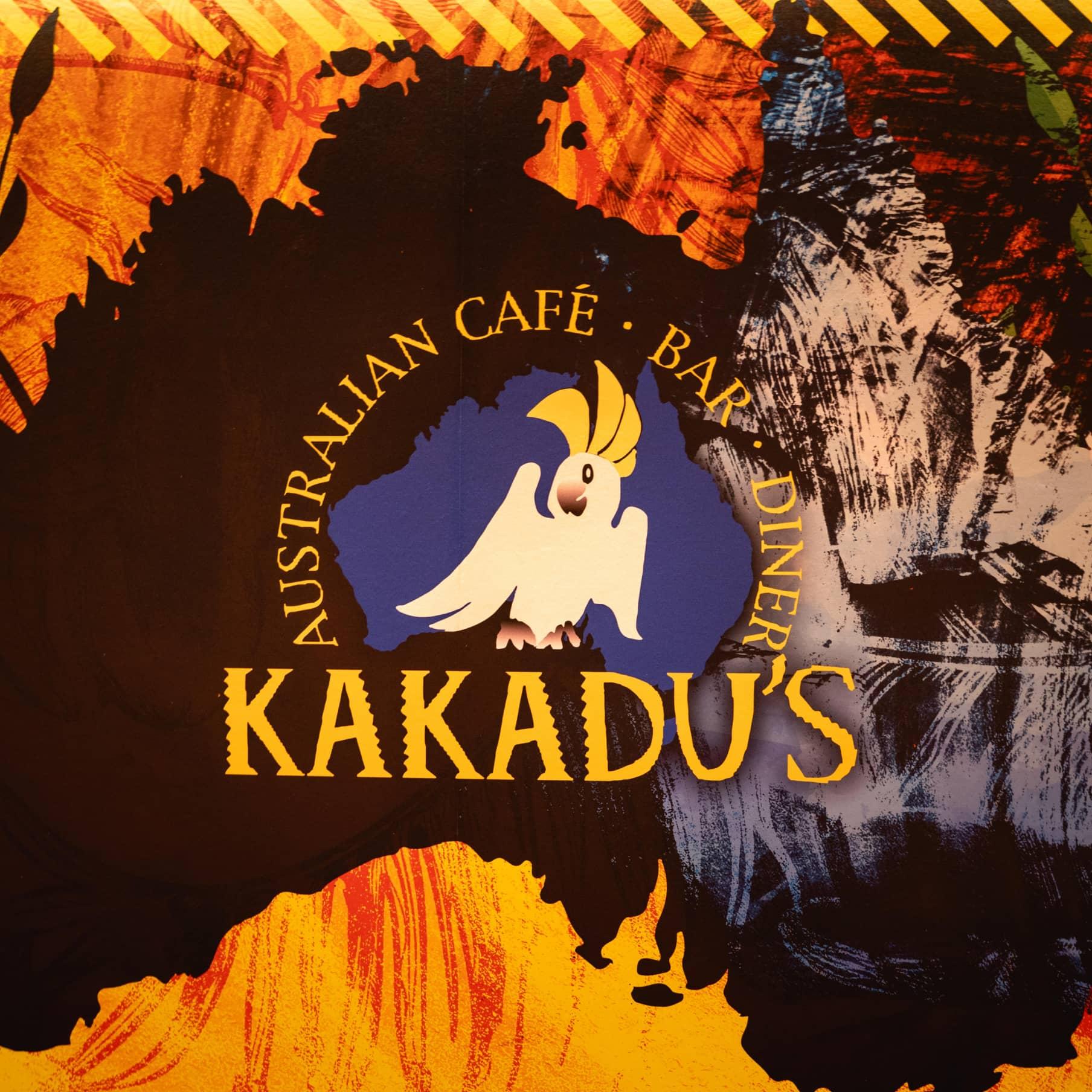 Kakadus Logo auf australischen Hintergrund