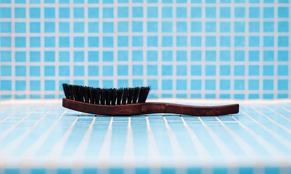 Die MyBrush Schweineborstenhaarbürste von MySpring bei Haarausfall.