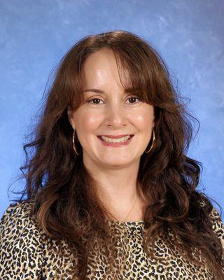 Sra. Alexa Linares