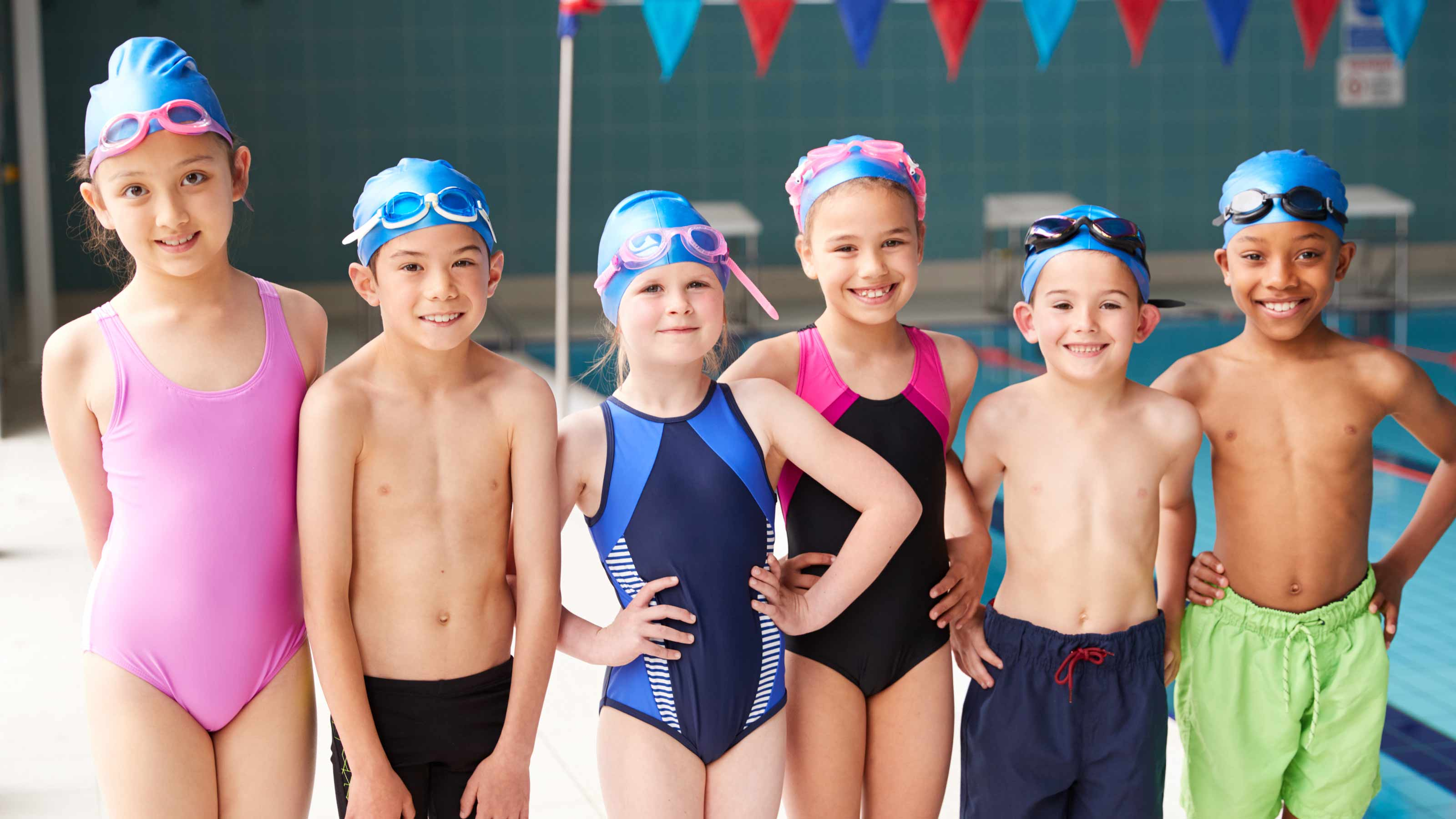 pupils lined up ready for swim lessons