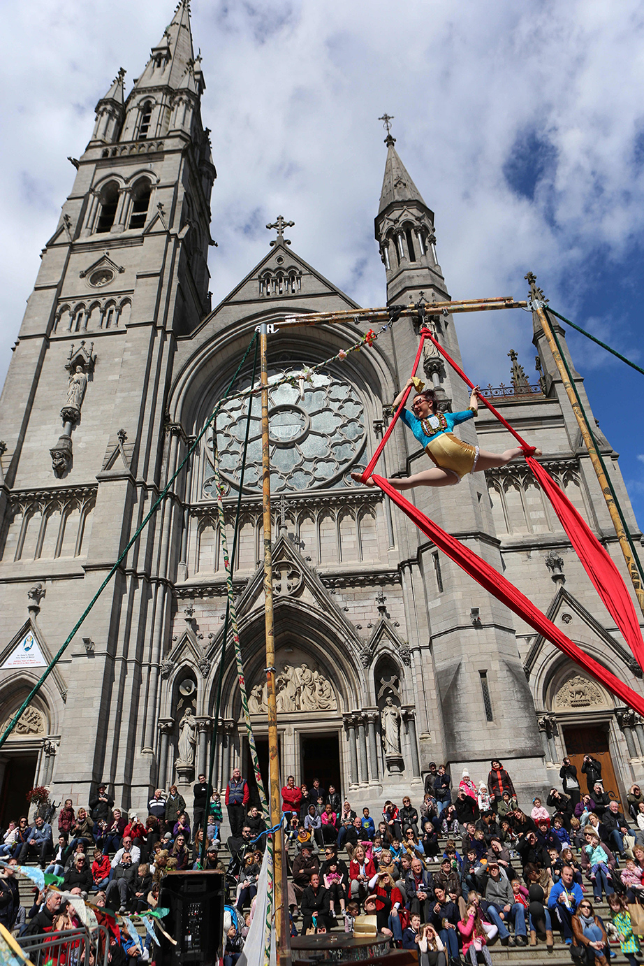 Event Photography by Jenny Matthews Photography, Drogheda arts Festival, acrobats perform at a church