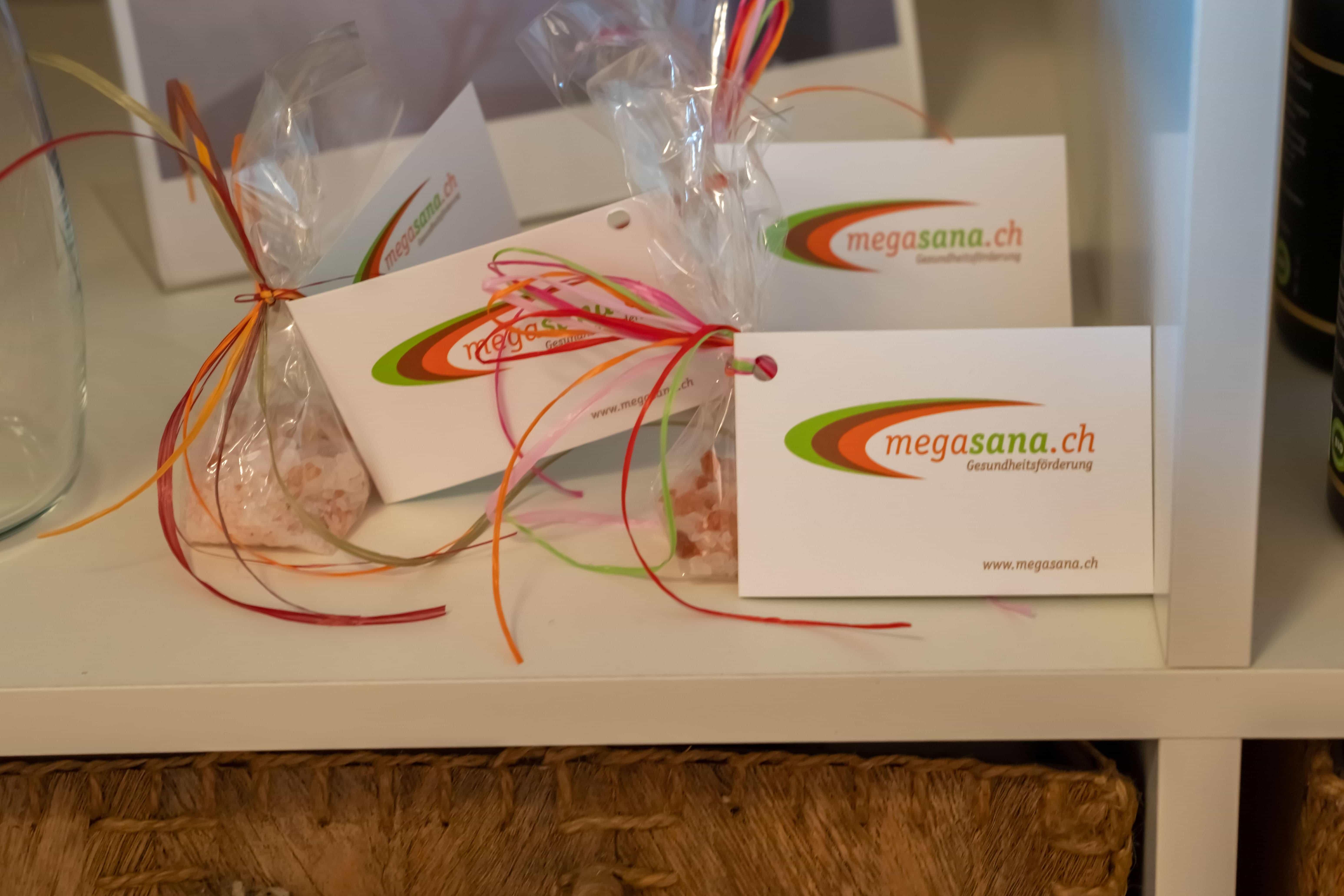 kleine Geschenke mit Megasana Logo