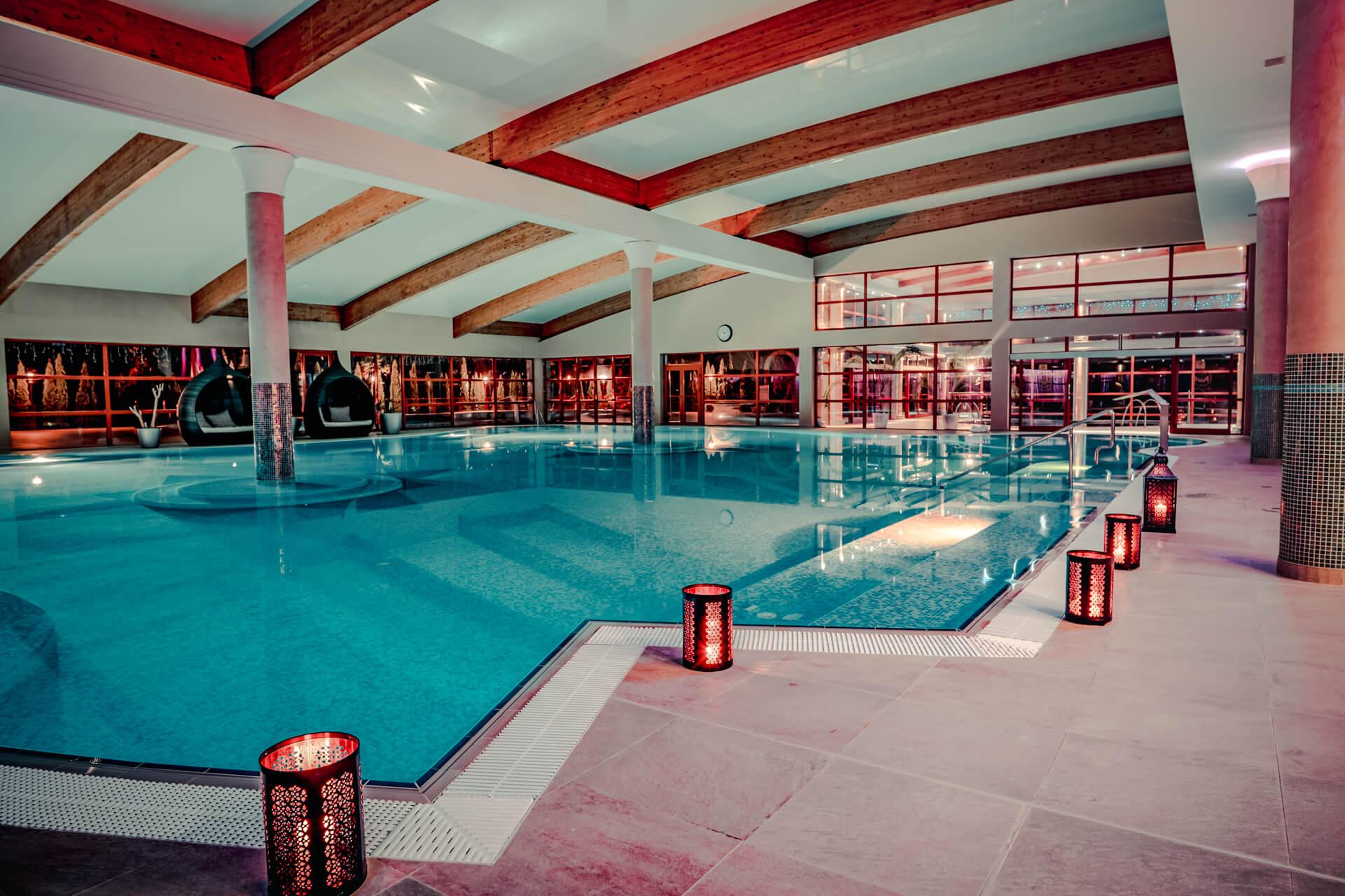 Vnútorný bazén v rezorte Kaskady