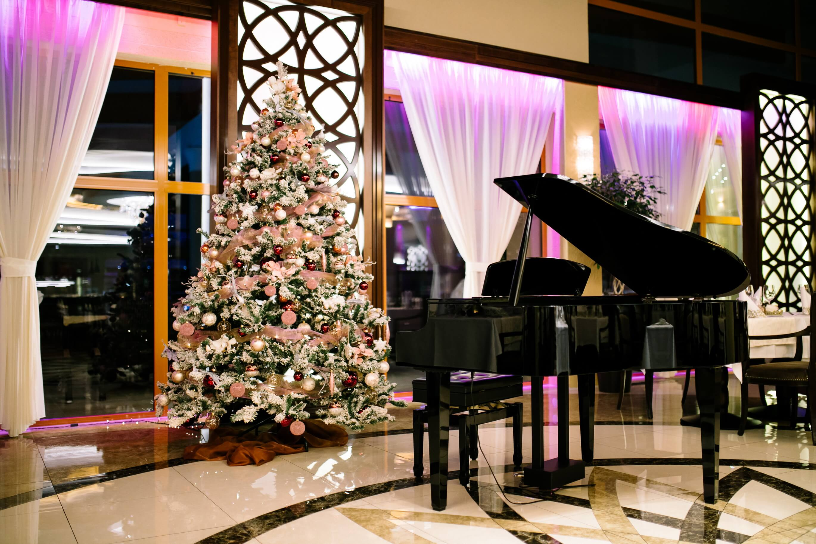 Vianočný stromček v hoteli Kaskady