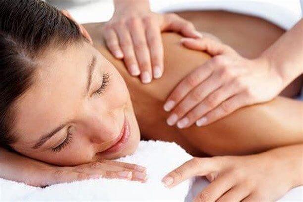 Celotelová relaxačná bali masáž