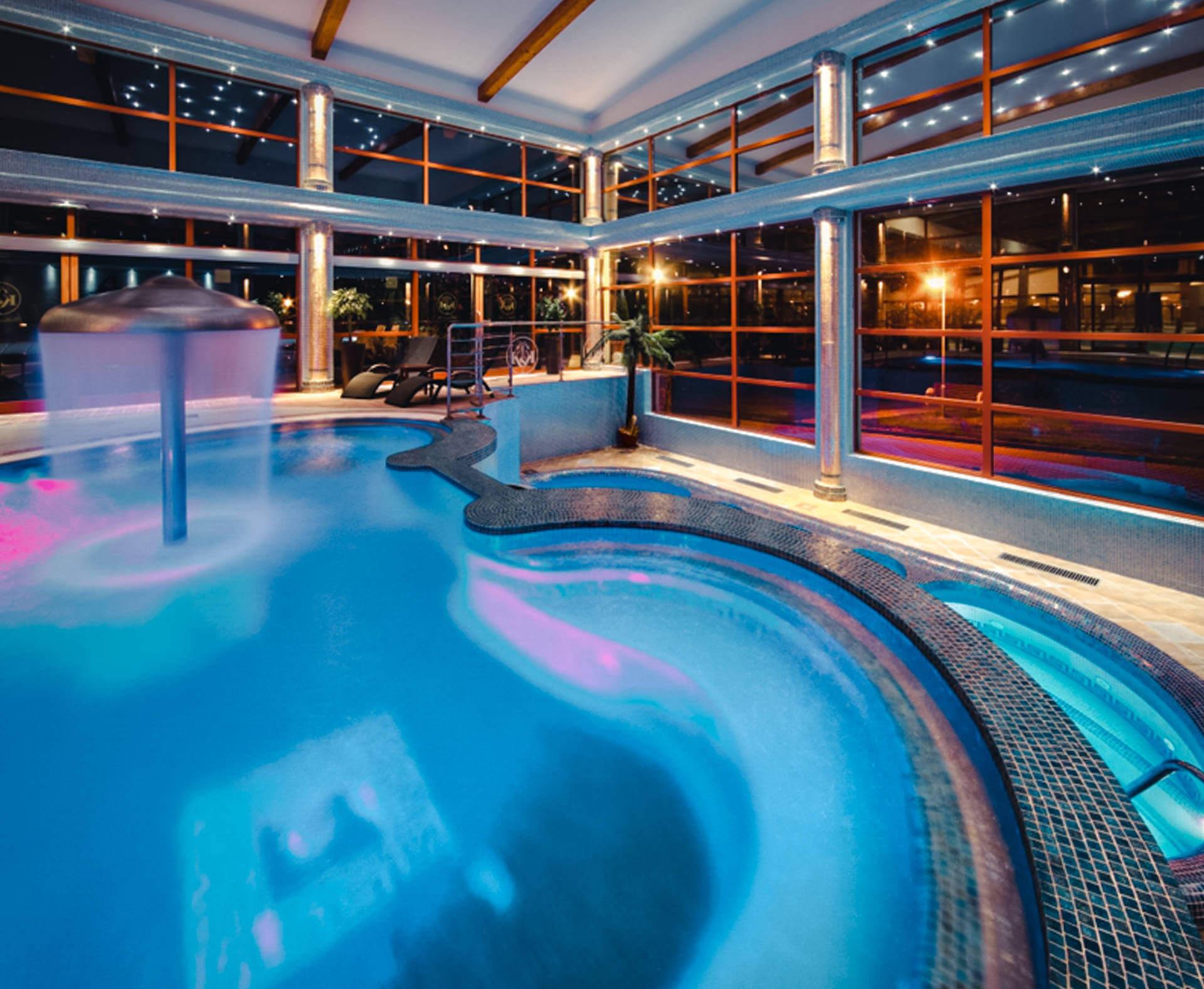 Termálne vnútorné bazény Kaskady