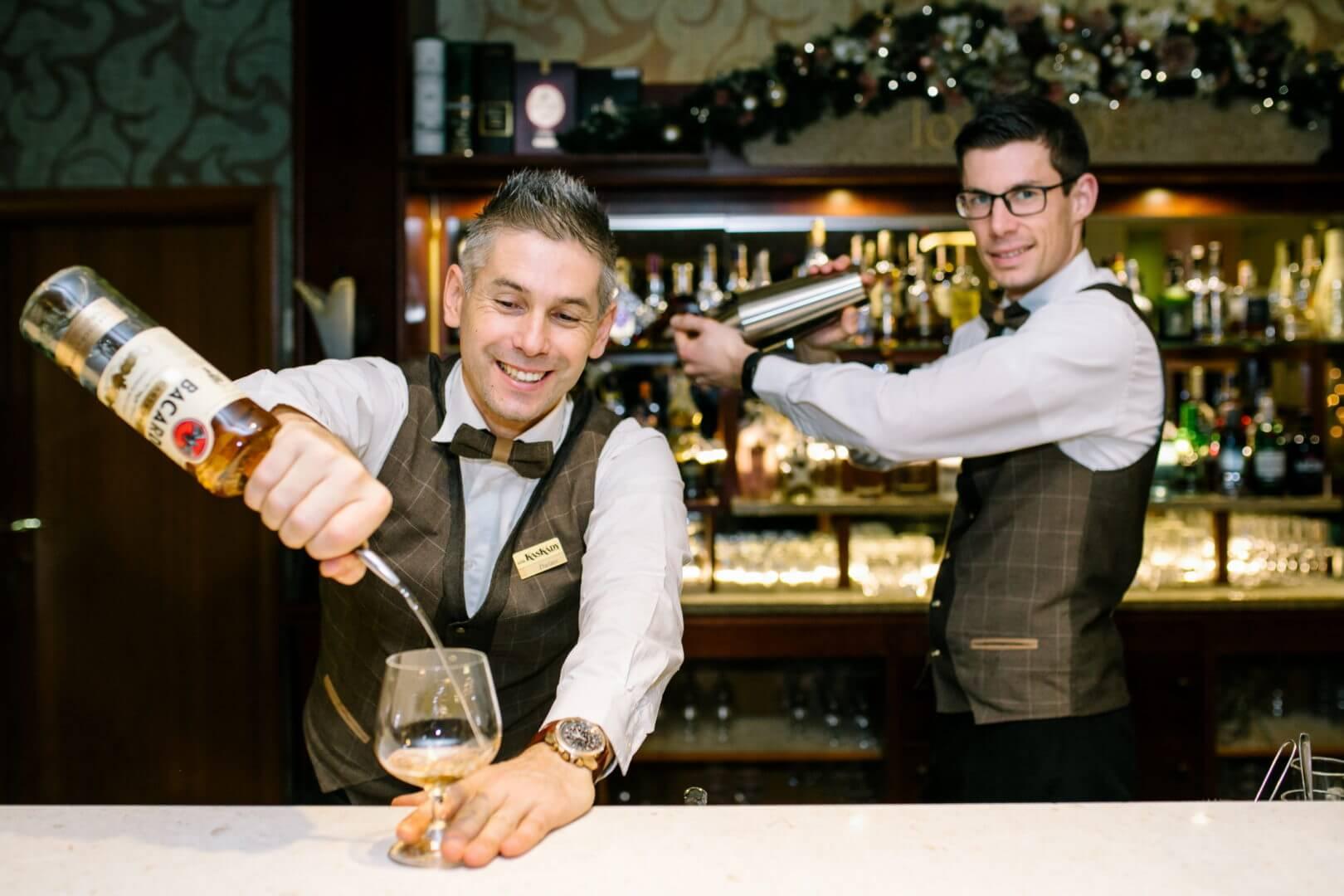 Lobby bar Kaskady - barmani