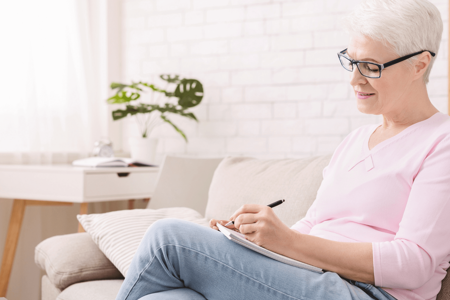 Why Seniors Should Keep a Dream Journal