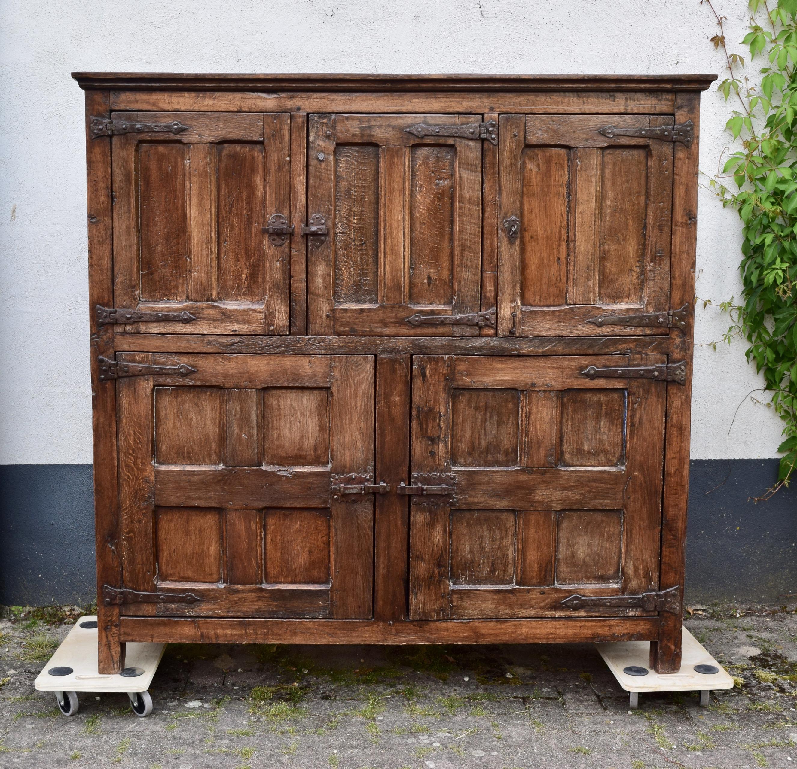 Timeless Cupboard Oak 17th/18th Century