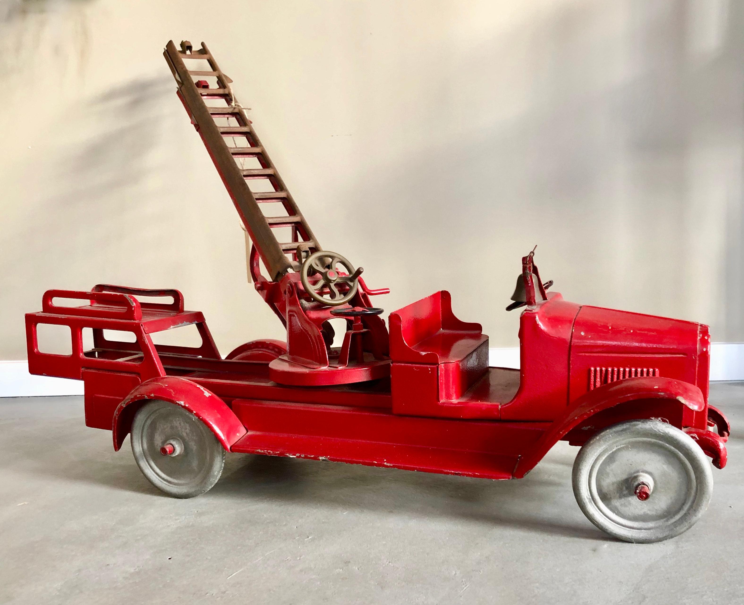 Buddy L Firetruck USA, 1920s