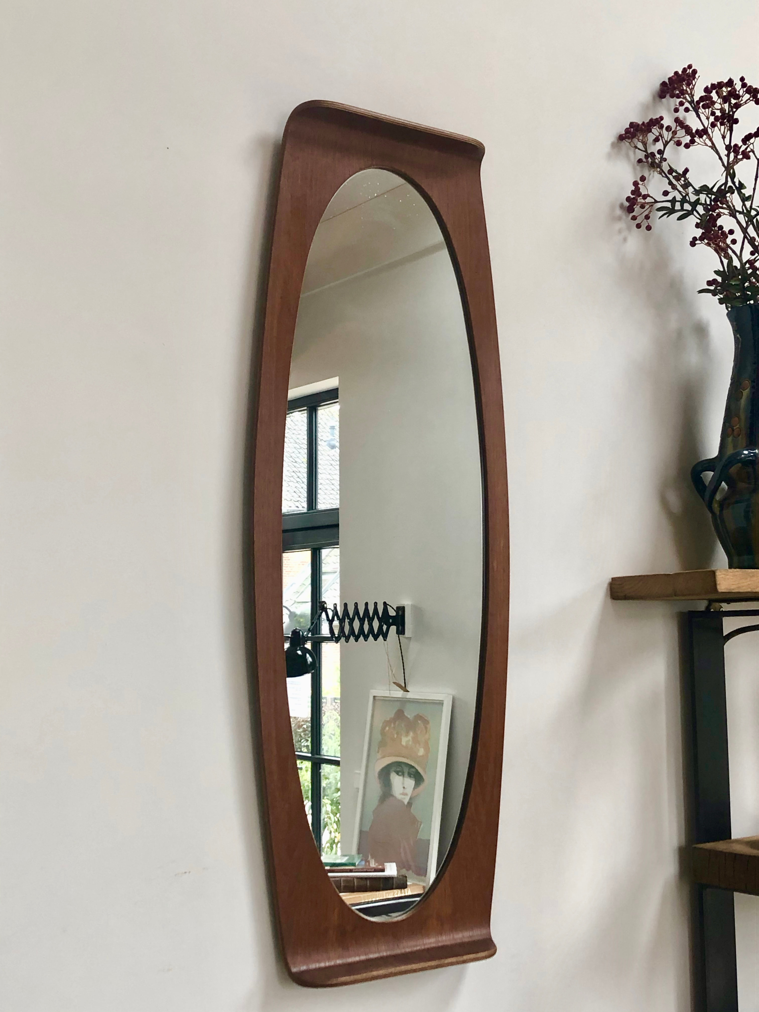 Italian Oval Plywood mirror by Campo & Graffi for home - 1960