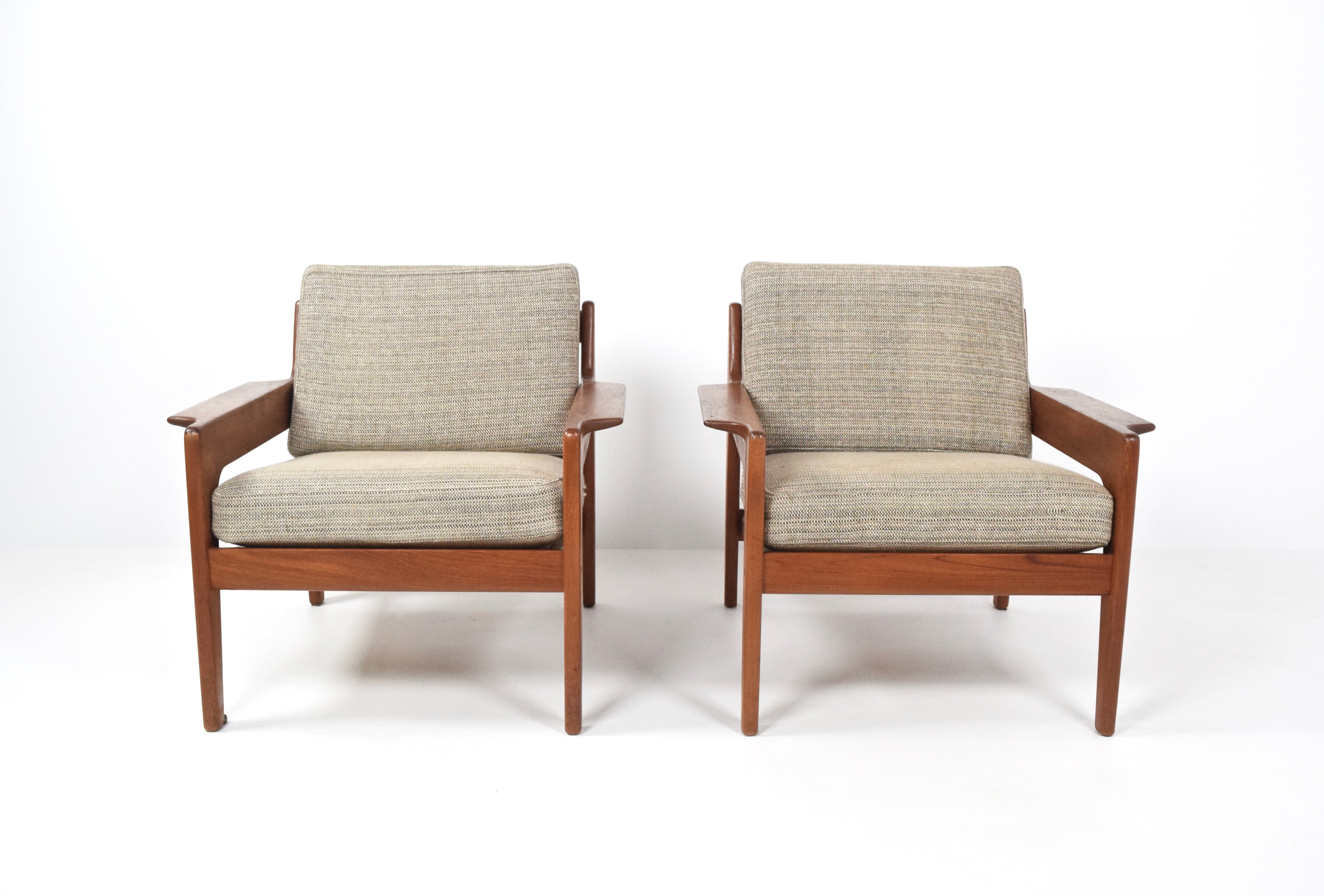 Set of Two Arne Wahl Iversen Lounge Chairs for Komfort