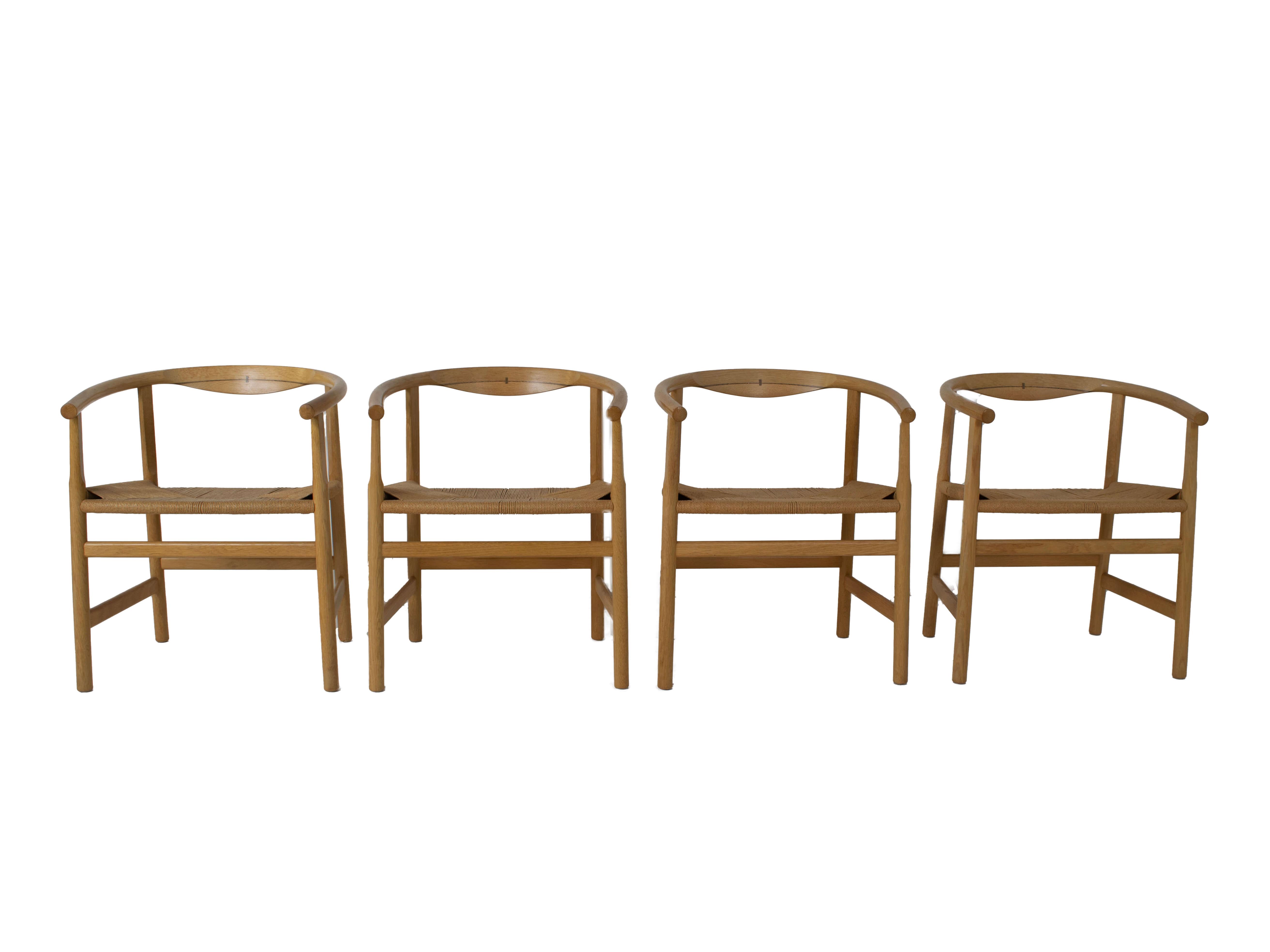 Vooraanzicht Set van vier Hans Wegner PP203 eetkamerstoelen voor PP Møbler, Denemarken 1970