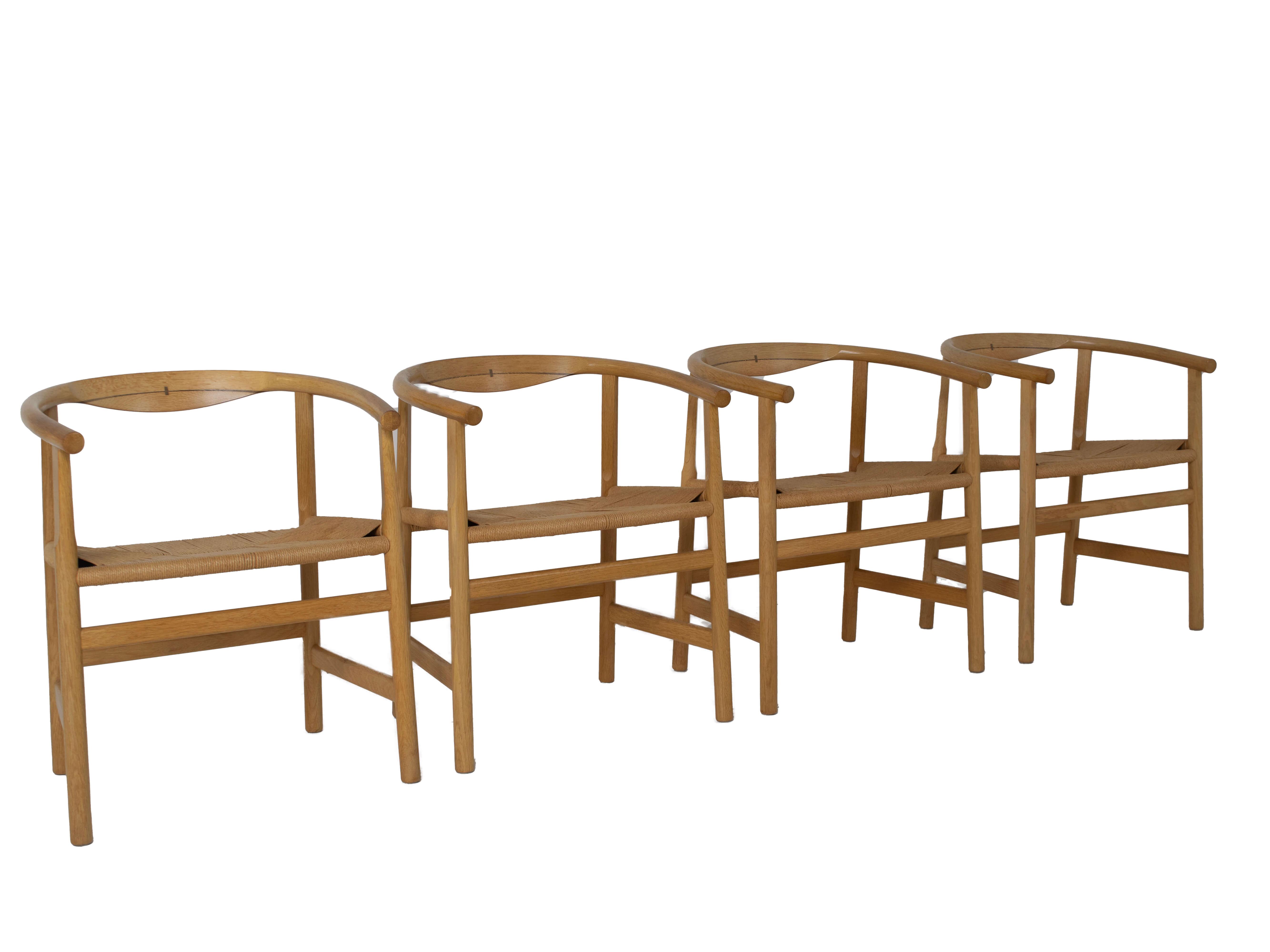 Zijaanzicht Set van vier Hans Wegner PP203 eetkamerstoelen voor PP Møbler, Denemarken 1970