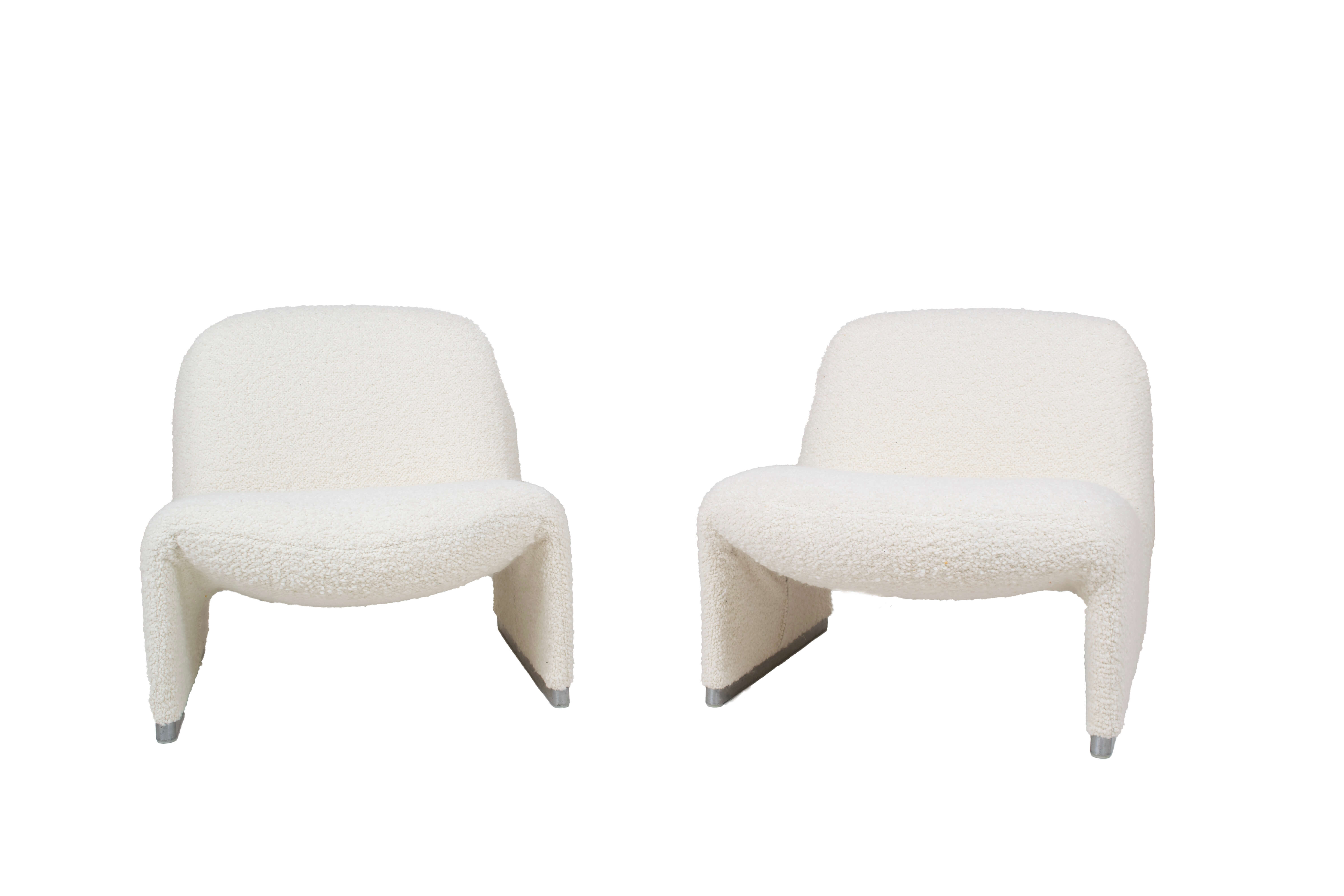 Set of Two Alky Chairs by Giancarlo Piretti for Artifort in Bouclé Fabric