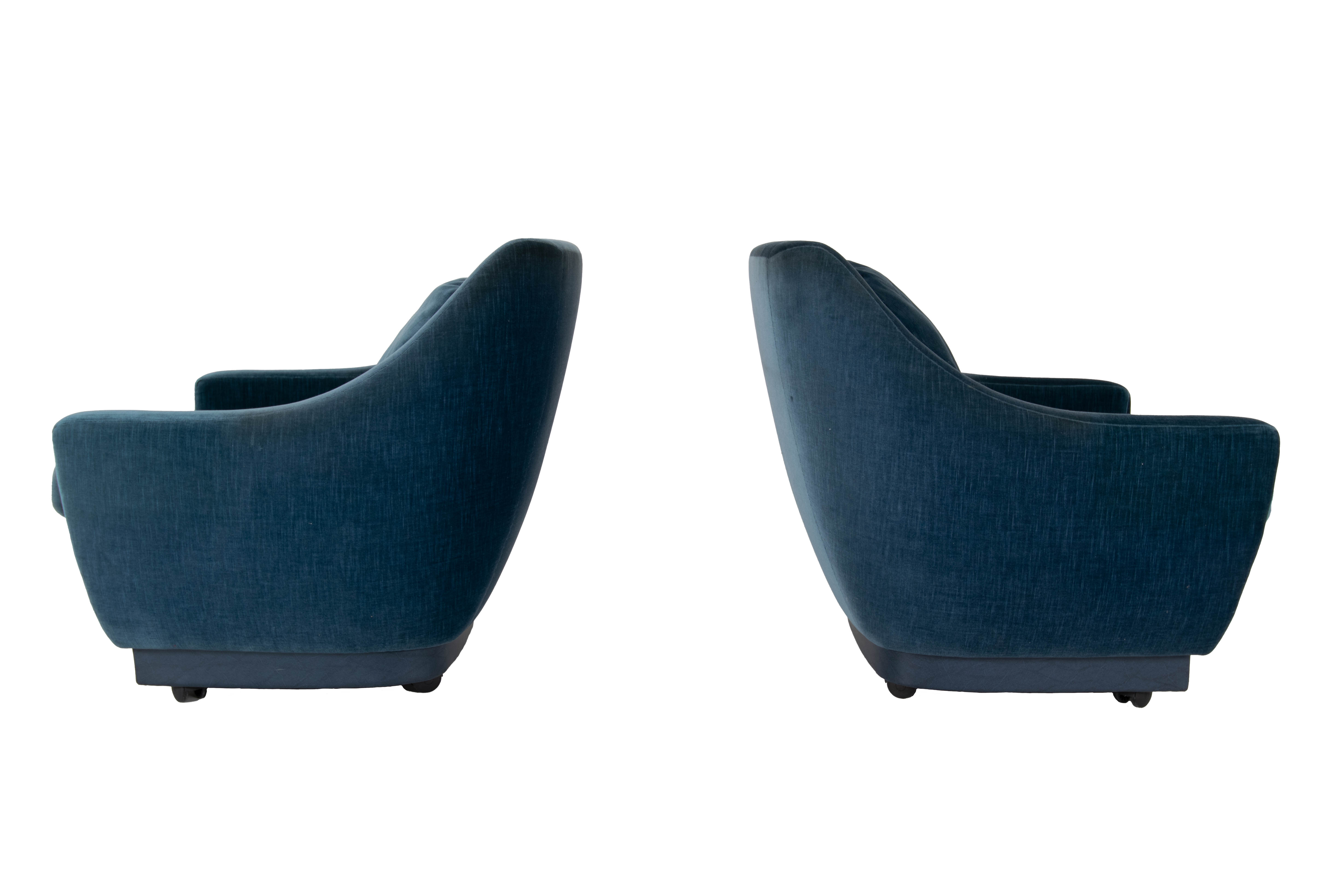 Side view Set of Art Deco Style Lounge Chairs in Blue Velvet