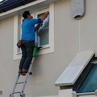Window cleaning in Riverside, CA