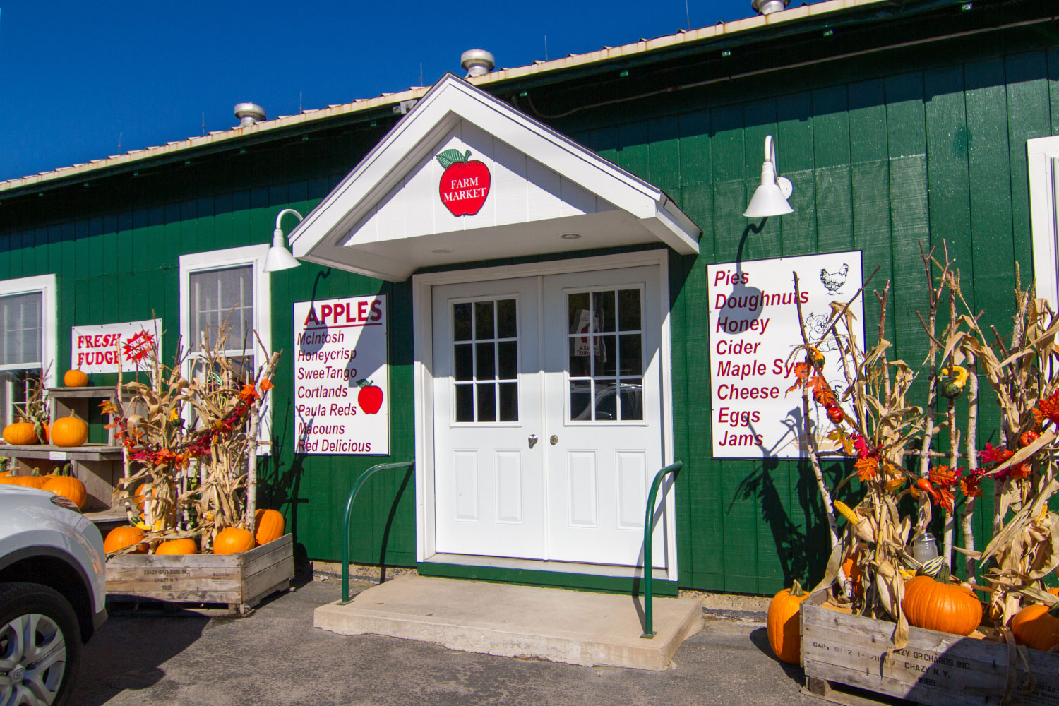 Front of Chazy Orchards Market