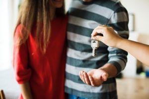 Real Estate Agent: Mileage & Expenses