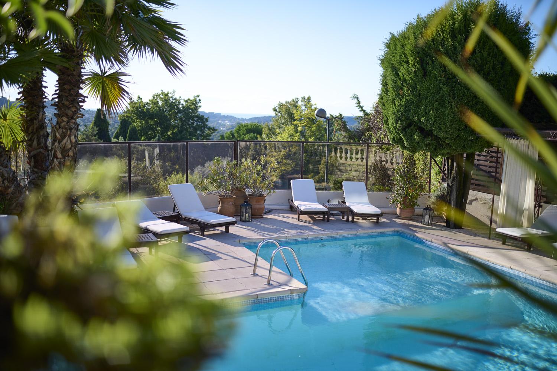 détail piscine hotel la grande bastide