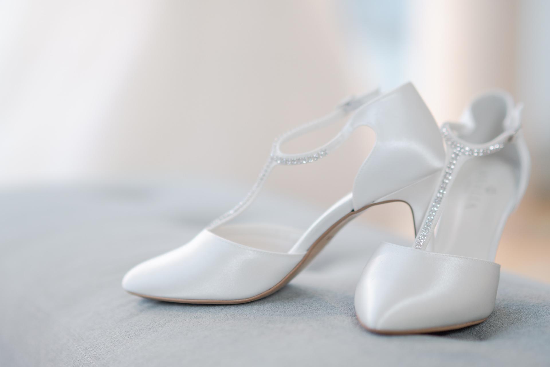 Utstilte sko i butikken