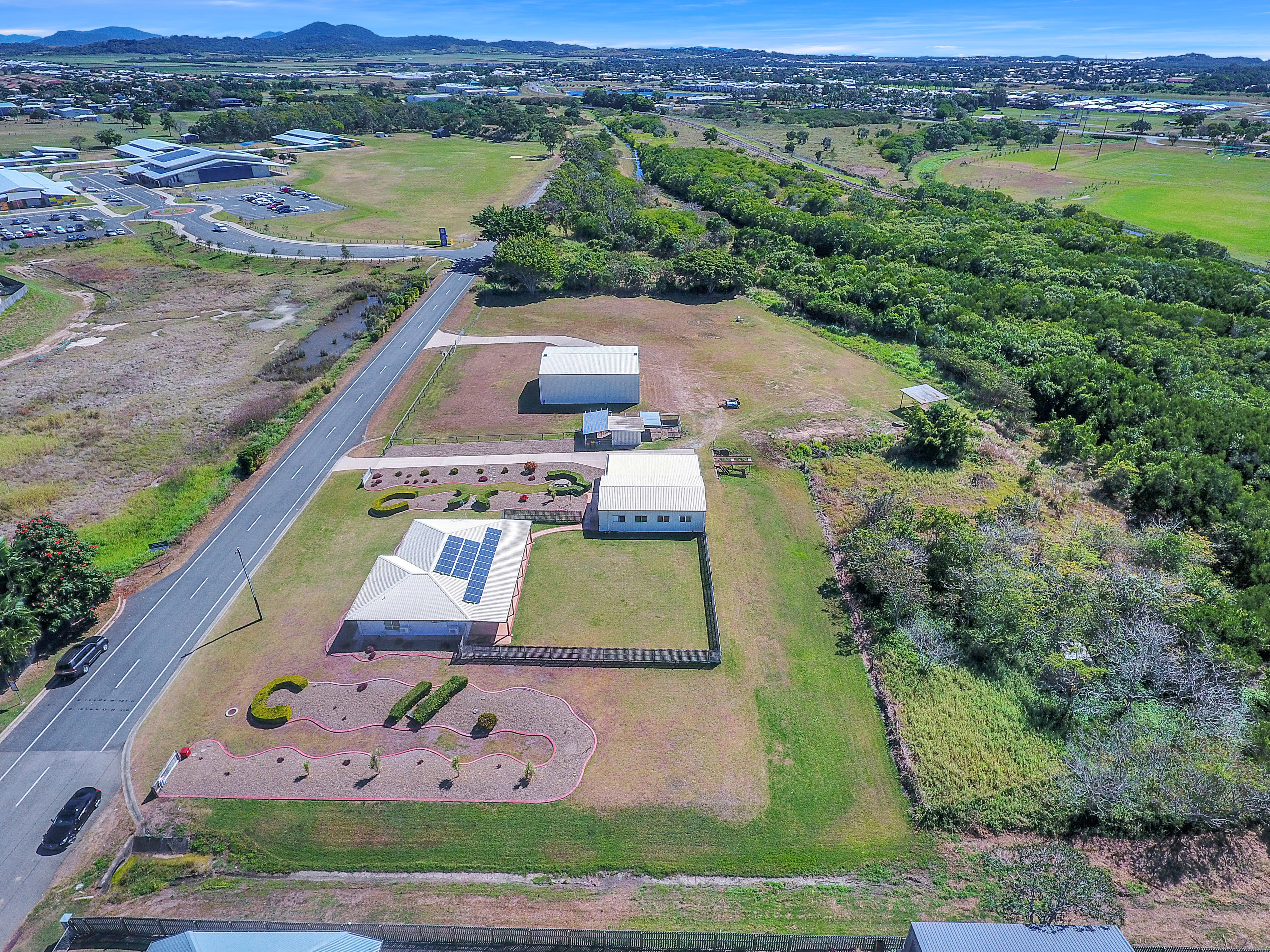 Extraordinarily rare Acreage PLUS sheds PLUS home in North Mackay!