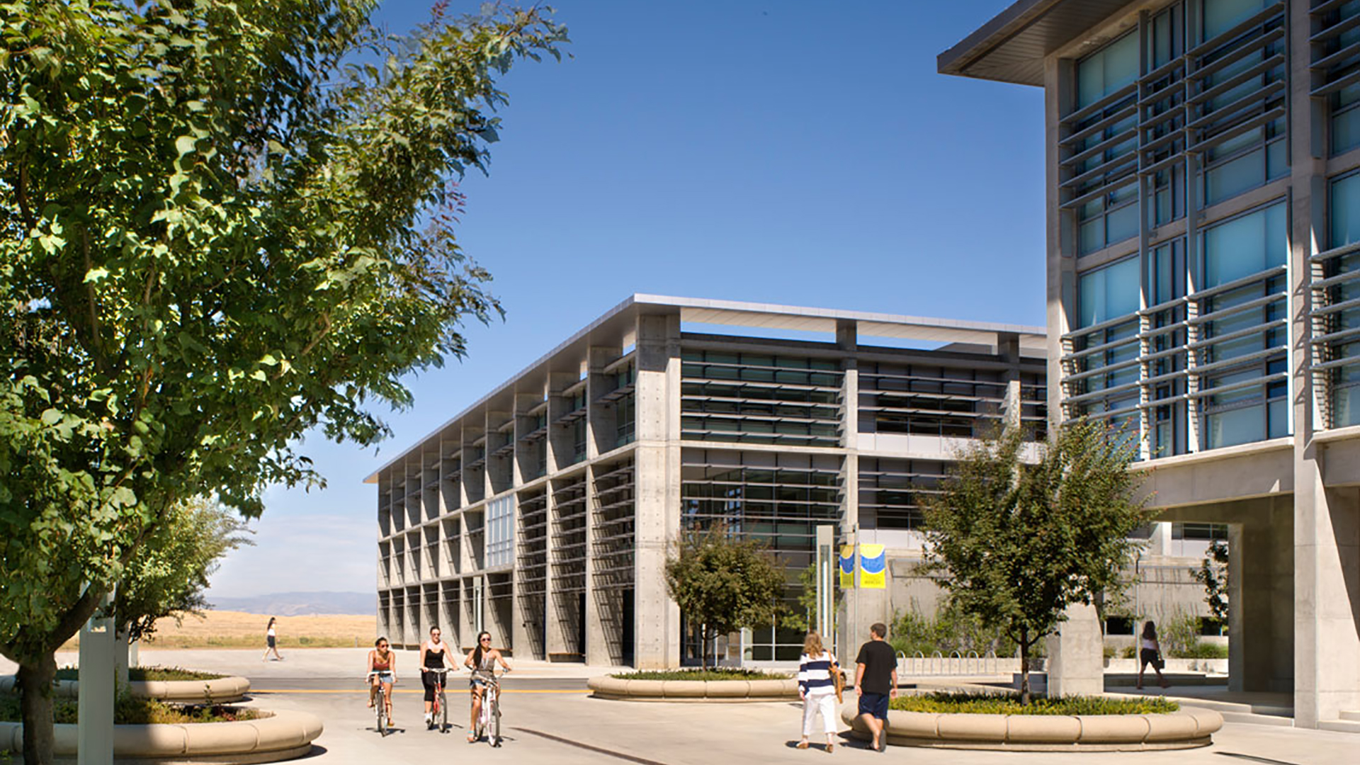 MERCED SOCIAL SCIENCES AND MANAGEMENT BUILDING