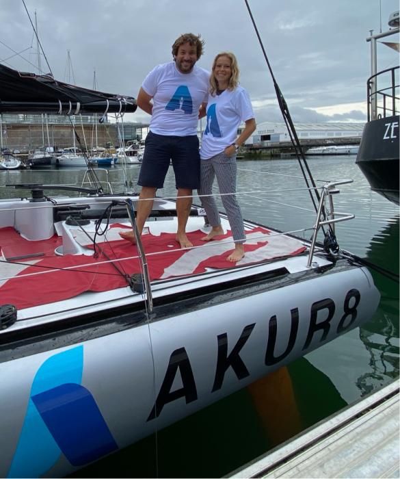 Antoine Cornic et Estelle Lebar, an Akur8 employee, on the boat Ebac.