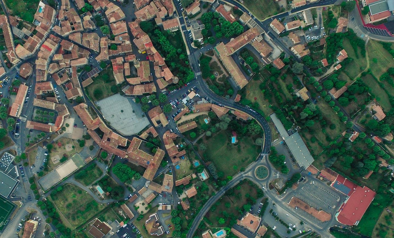 Flygbild över en stad