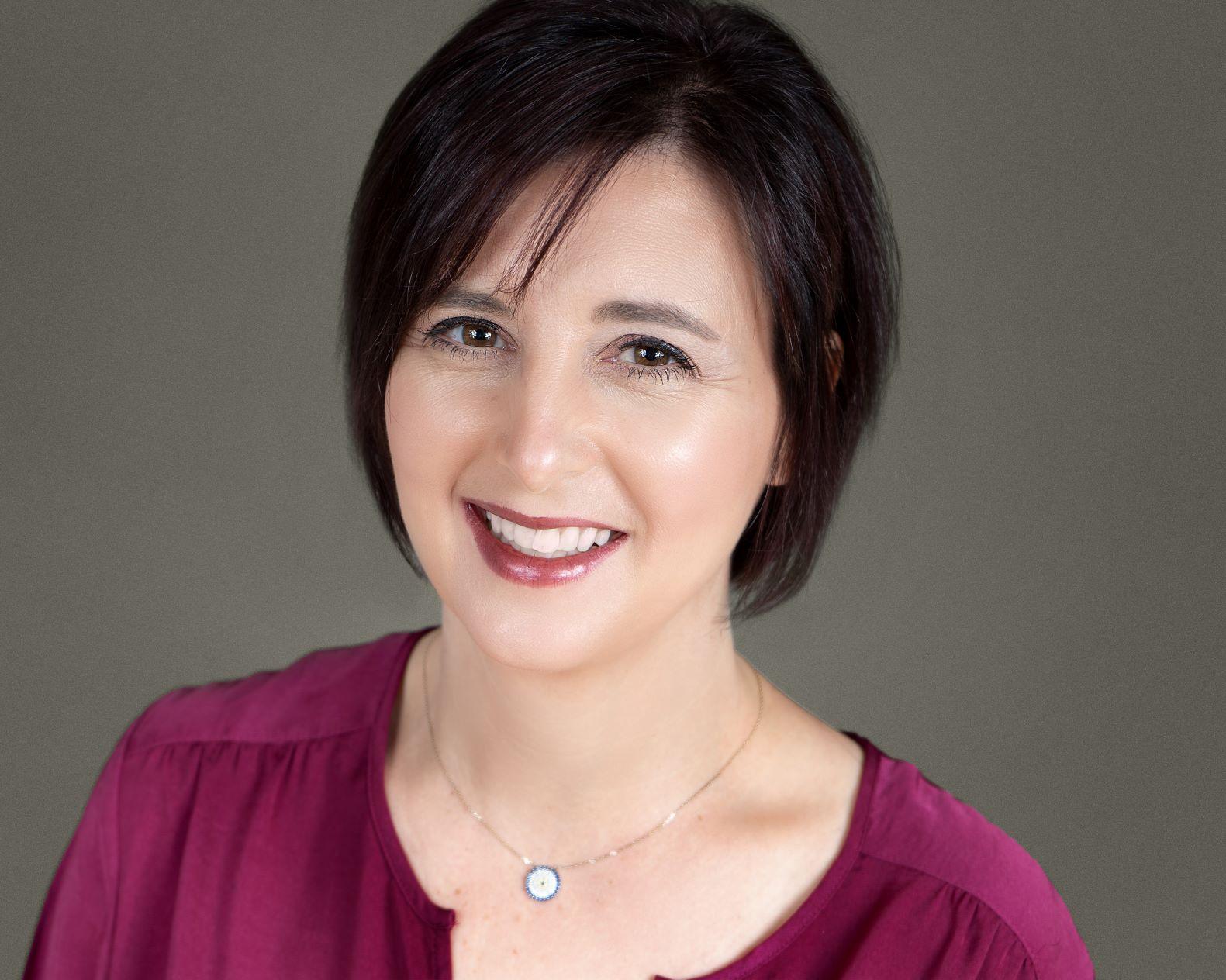 Professional portrait of Erin Shepansky