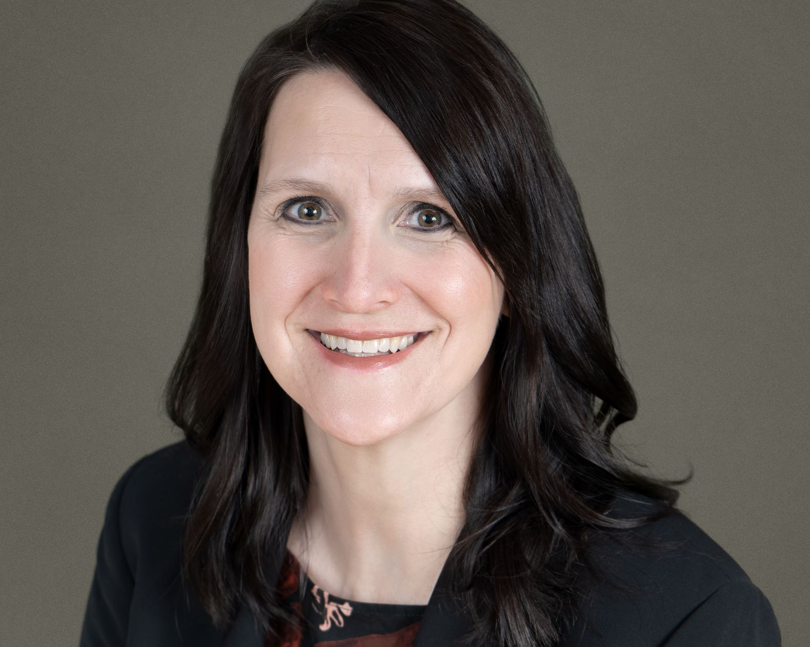Professional portrait of Lisa Vetsch