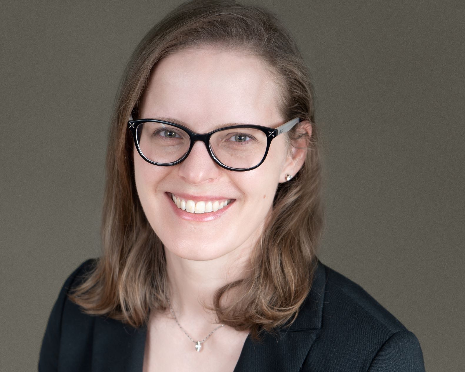 Professional portrait of Janine Oldham