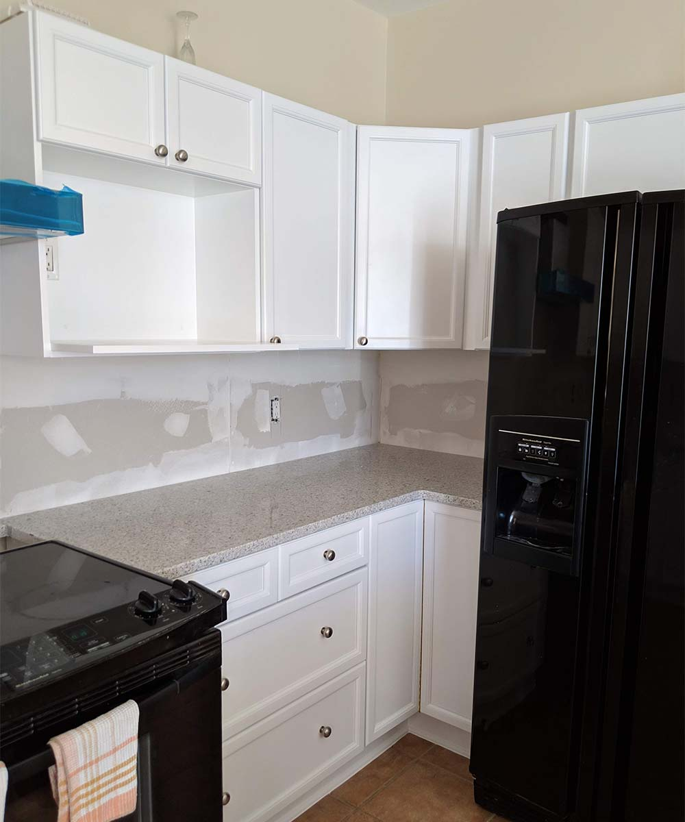 Cabinet painting project in Ottawa