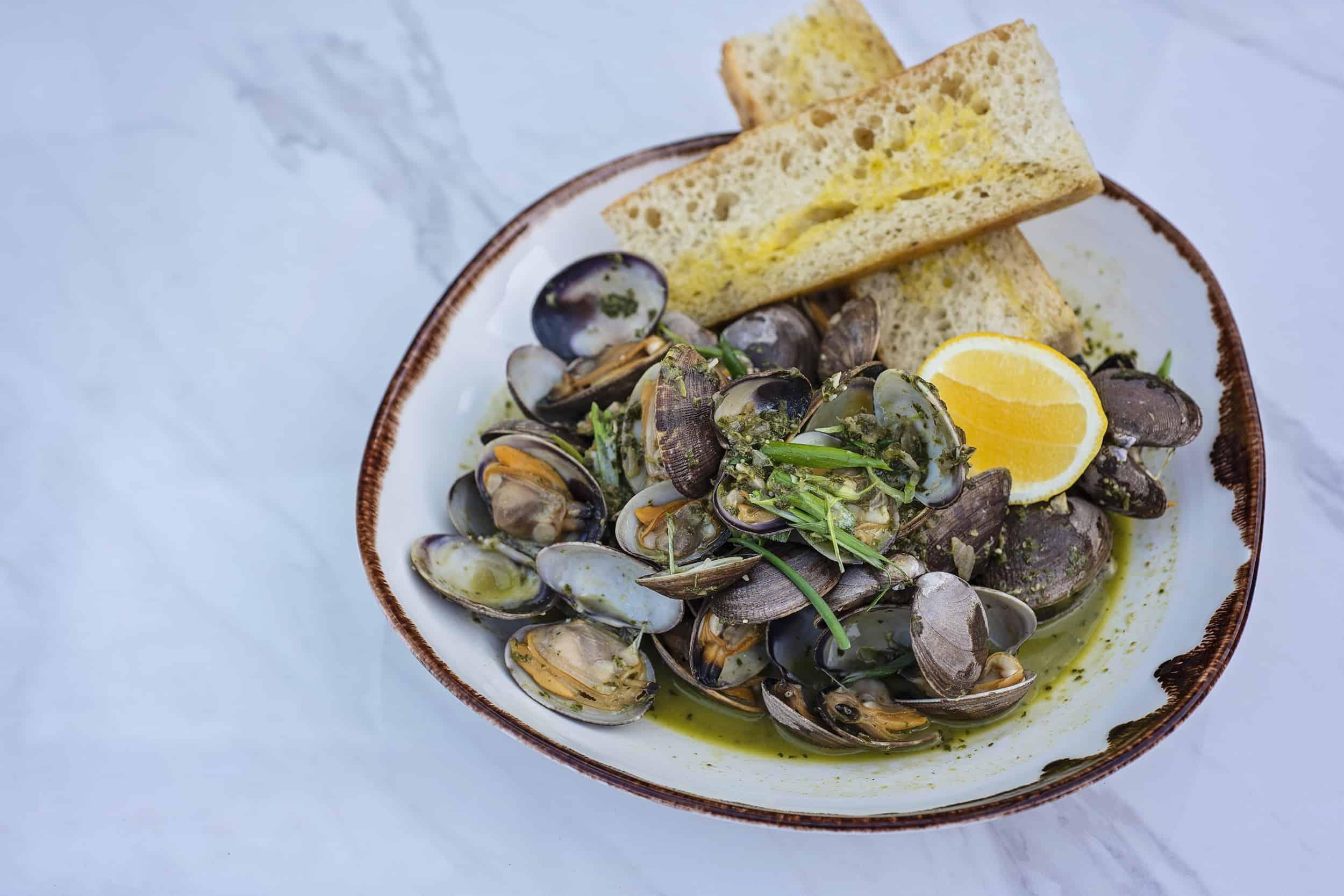 Qualicum Beach Cafe Mussels